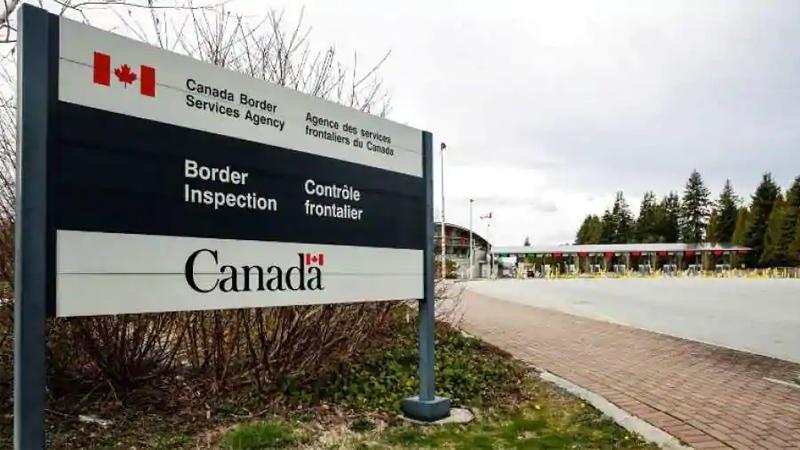 [Image: Canada-border.jpg]