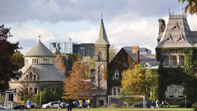 Đại học Toronto - Top 1 đại học tốt nhất Canada